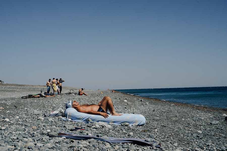 People on a beach at Samothraki on August of 2016, image by Ilias Antoniou.