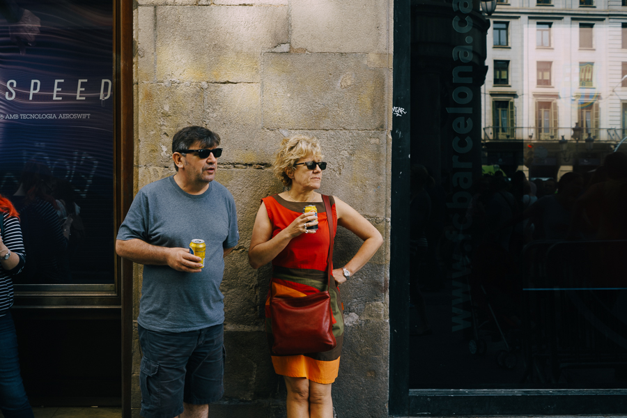 Couple with soda pops, photography by Ilias Antoniou