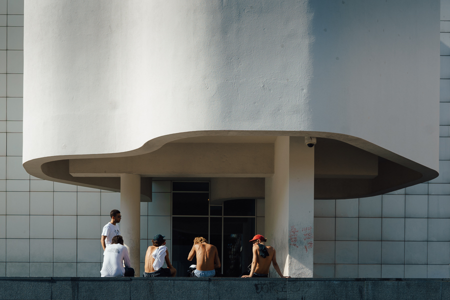 Skaters hanging out by the barcelona museum of contemporary art, photography by Ilias Antoniou